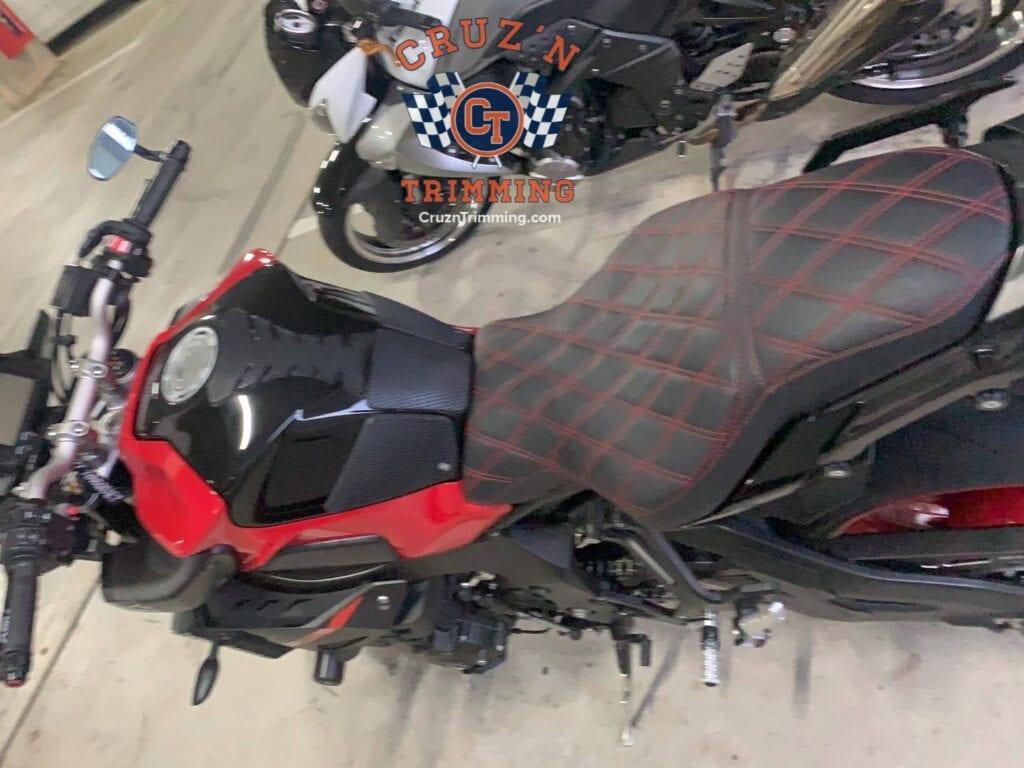Yamaha MT 10 Custom Motorcycle Seat Cruzn Trimming 8