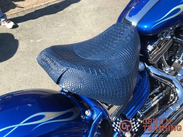 Harley Davidson Rocker C Custom Motorcycle Seat Cruzn Trimming 3